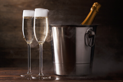 https://basketsconnecticut.com/media/holidays/Admin Professionals Day/IMG_Champagne.jpg